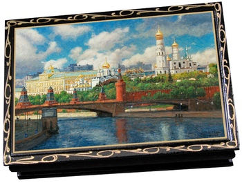 chocolates in a jewelry box with lacquer picture 150g/300g